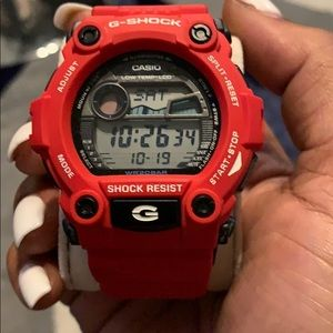 Red and black G-shock with wrist guard